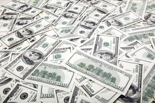 important montant de billets de 100 dollars américain